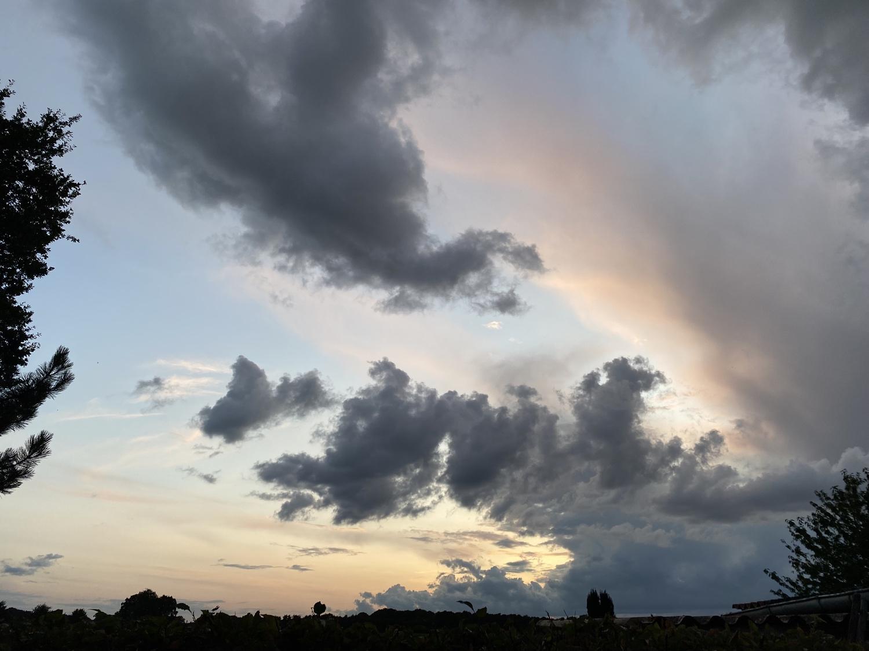 Abendhimmel in Dinklage am 9. August 2021